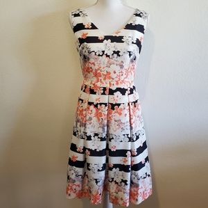 Floral Sleeveless Dress with Pockets Size 4